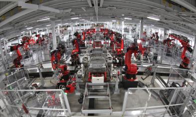 Tesla-Fertigungslinie_Industrie40
